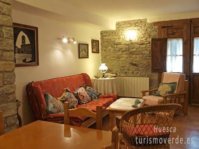 TURISMO VERDE HUESCA. Casa Lanau de Latorrecill